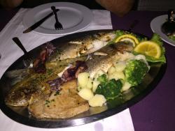 Restaurant & Lounge Manora