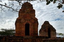 Thap Poshanu Cham Tower