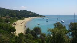 Tsougrias Beach