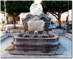 Fontana degli Otto Cannoli