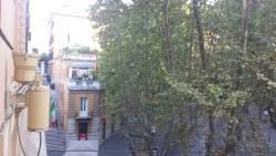 Вид из окна на Via Veneto