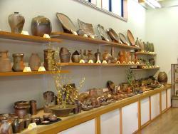 Hashimoto Gallery Bizen Pottery Sankoan