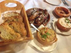 Très bon restaurant et accueil chaleureux ! �� On y trouve des spécialités grecques très bonnes