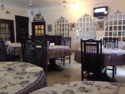 Khandwa Restaurant