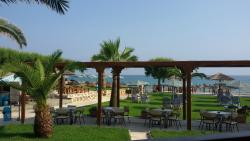 Plaka Beach Resort