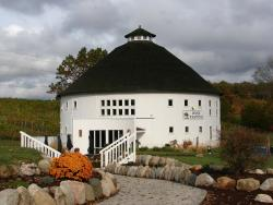 Round Barn Winery - Baroda Tasting Room & Estate