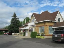 Auberge Motel La Becassine