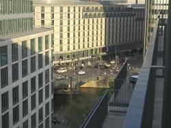 Vista desde habitación al río Spree y a la calle Friedrichstraße