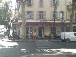 Le Grand Cafe des Arts