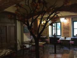 Via Ironia Hotel & Restaurant