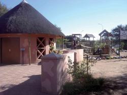Somarelang Tikologo (Environment Watch Botswana)