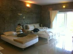 On The Rock Chaiyaphum Bed & Breakfast