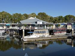 Noosa Marina Sunday Markets
