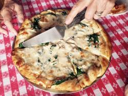 Pizzeria 8852