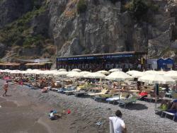Santa croce beach restaurant near amalfi