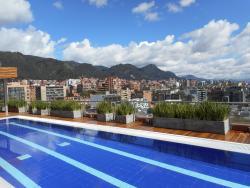 Vista de Bogotá desde a piscina.