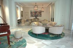 Lobby / Art Room