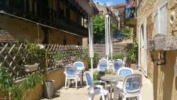 Cafe des quatre colonnes