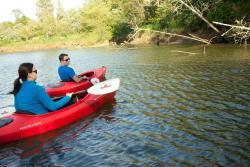 Kayakers explore Lake Quigg