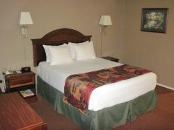 Queen Room No. 44 - La Posada Motel (26/July/15).