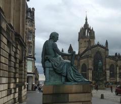 Estatua David Hume
