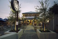 The Matakana Village Pub