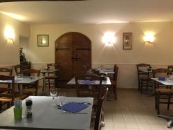 Restaurant - Bar - Chambres d'Hotes - Le Rocher