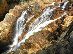 Vale do Rio Macaco waterfall
