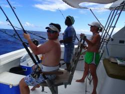 Pescando y Comiendo Fishing Charters