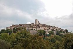 Вид га древний городок Сен Ванс