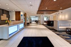 Holiday Inn Express & Suites Manhattan