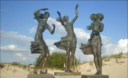 Sculpture Fisherman's Daughters