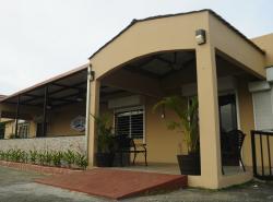 Costa Azul Restaurant & Lounge