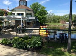 Boathouse Riverside Patio