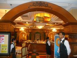 Cleopatra Restaurant, Hotel Gajahmada Graha