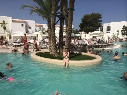 EXCELLENT FAMILY HOLIDAY