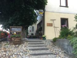 Schontal, Hotel