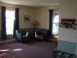 Another view of the sitting area...this is a corner room