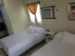 Dolphin Hotels Roatan