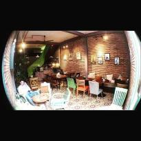 Con Hem Nho Restaurant