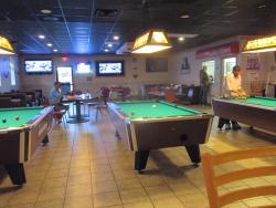 Monte's Sports Bar and Grill
