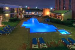 MCM Elegante Hotel and Suites