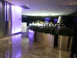 waiting area restaurant at the lobby