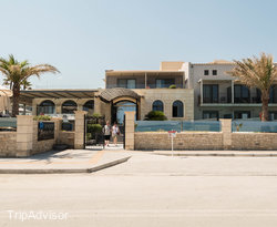 Entrance at the SENTIDO Aegean Pearl