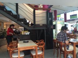 Zou Bar
