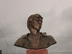 Statue of Vysotskiy