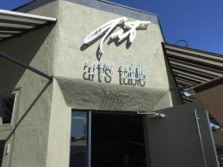 Art's Table