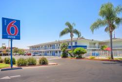 Motel 6 Tulare