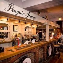 ‪The Penguin Lounge‬