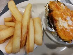Sweet potatoe & house fries